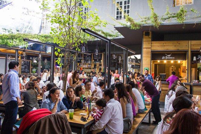 Essenshallen und protzige Restaurants packen Roma und Condesa in der Delegacion Cuauhtemoc / Oyster