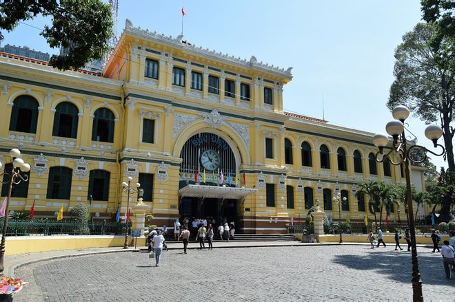 Saigon Post Office; Anne e David / Flickr