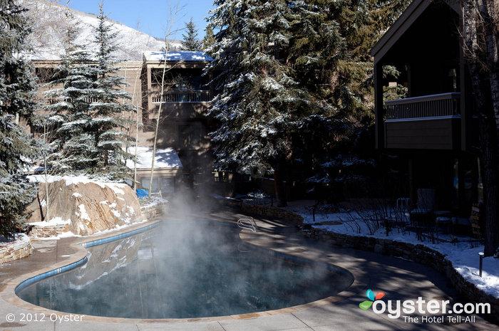 Você pode se aquecer nesta piscina ao ar livre aquecida em Aspen.