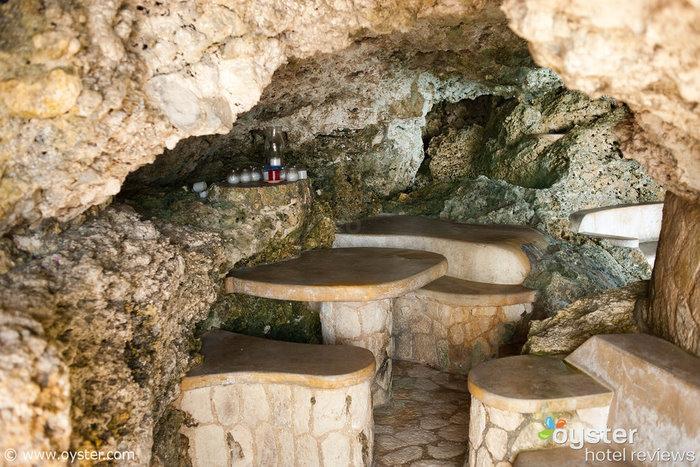 Cena en una cueva privada en The Caves