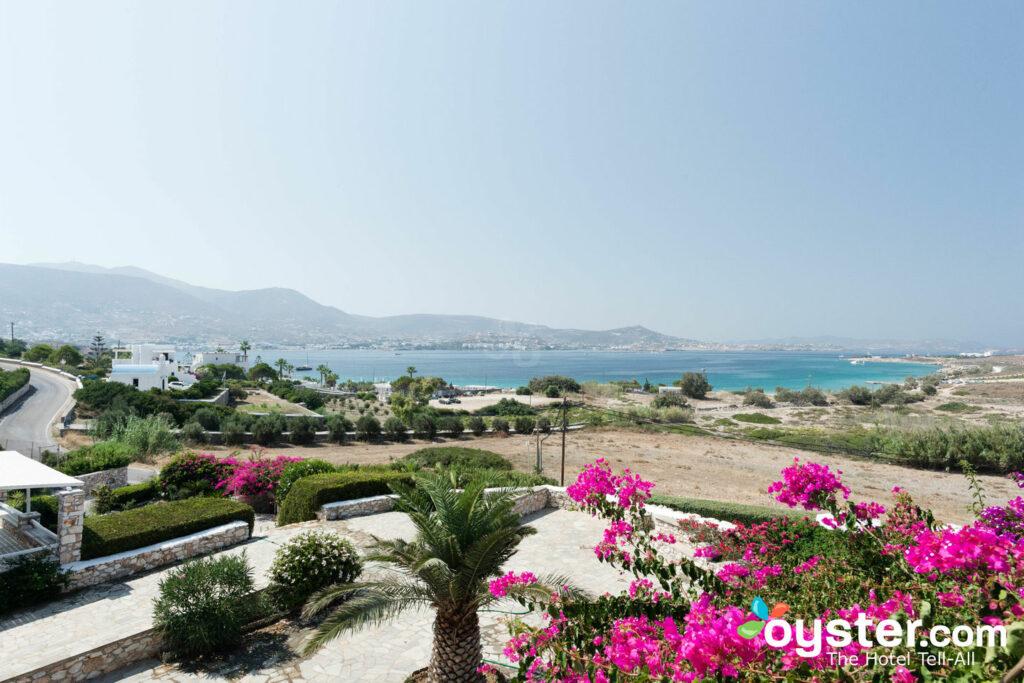 Vista desde Paros Agnanti Resort / Oyster