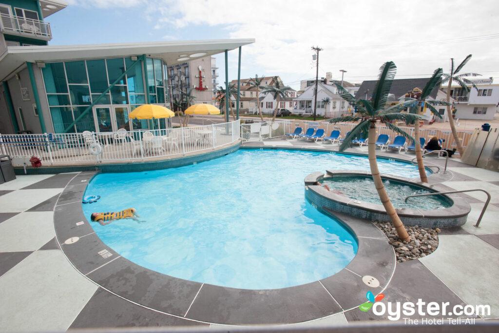 Pool im StarLux / Oyster