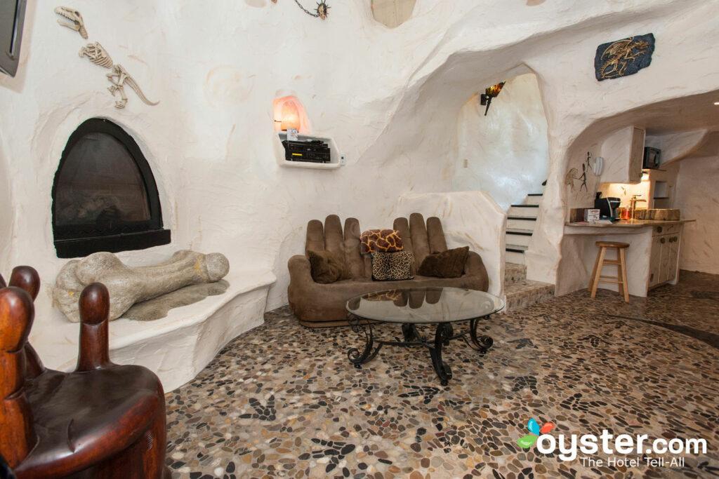 La Cave Suite à Adventure Suites / Oyster