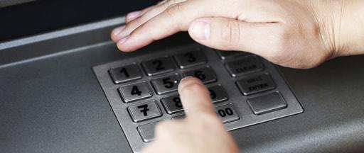 日本の銀行口座に対応するオンラインカジノは少ない
