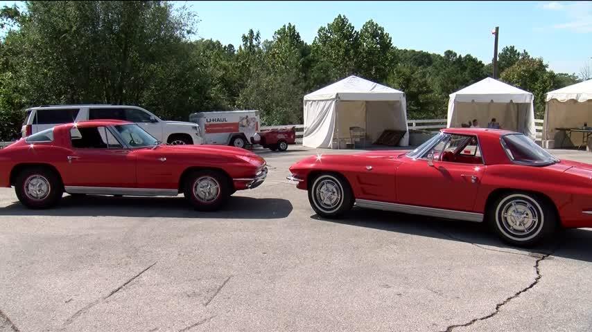 Two Cars at Antique Auto Festival Honor Vietnam Servicemen_39285327