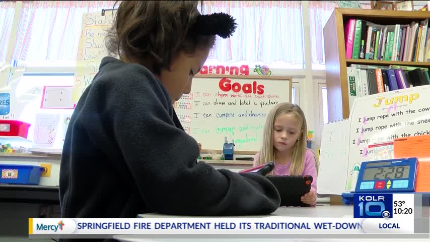 Personalized Technology Helps Students Learn Math_95196016