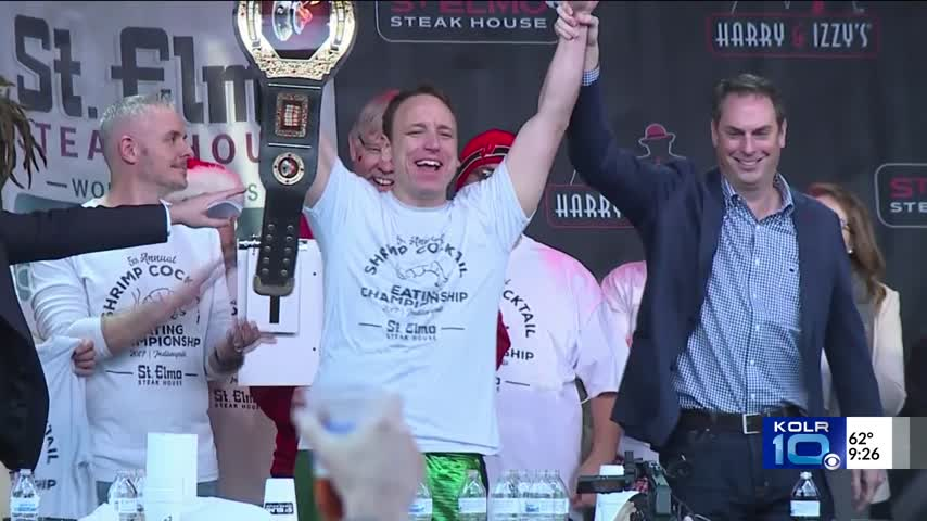 Man Defends Shrimp Eating Contest Champion Title for Fifth Y_31228112