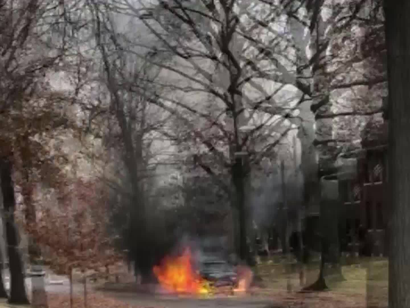 Parked_Cars_are_Catching_on_Fire_in_St___0_20171212220018