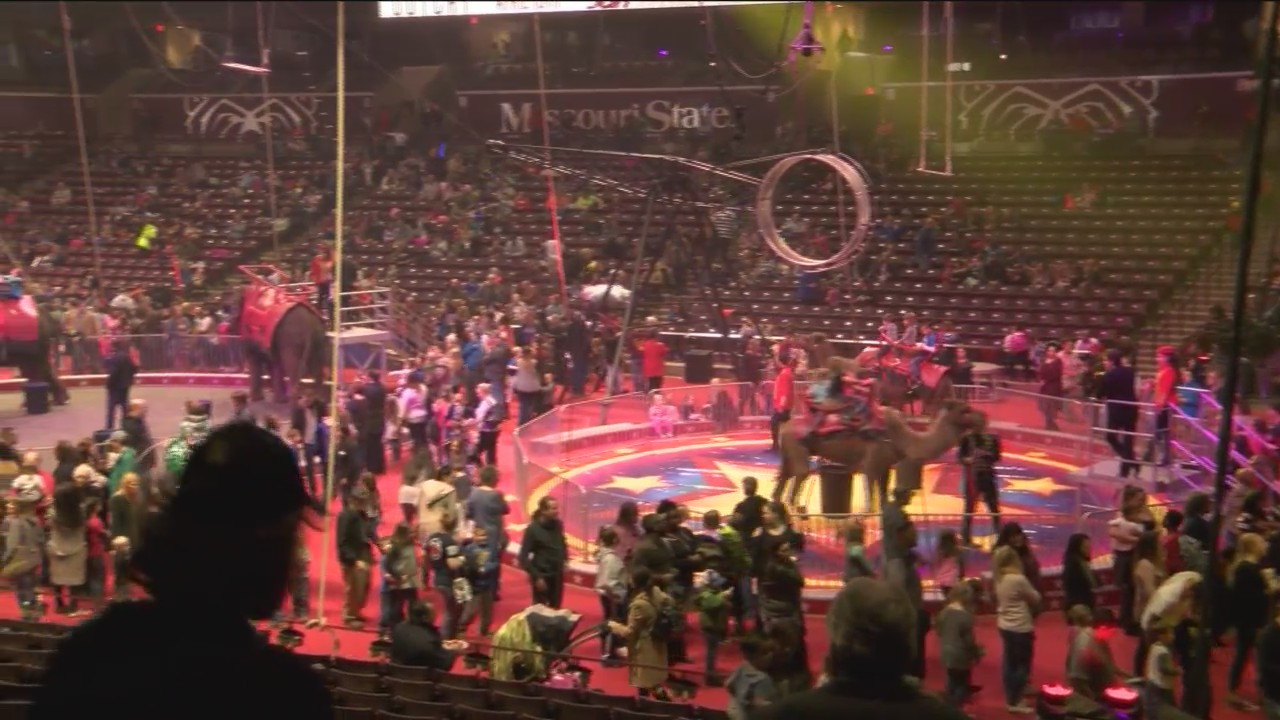 Carden_Circus_Performs_Finale_in_Springf_0_20180205034207
