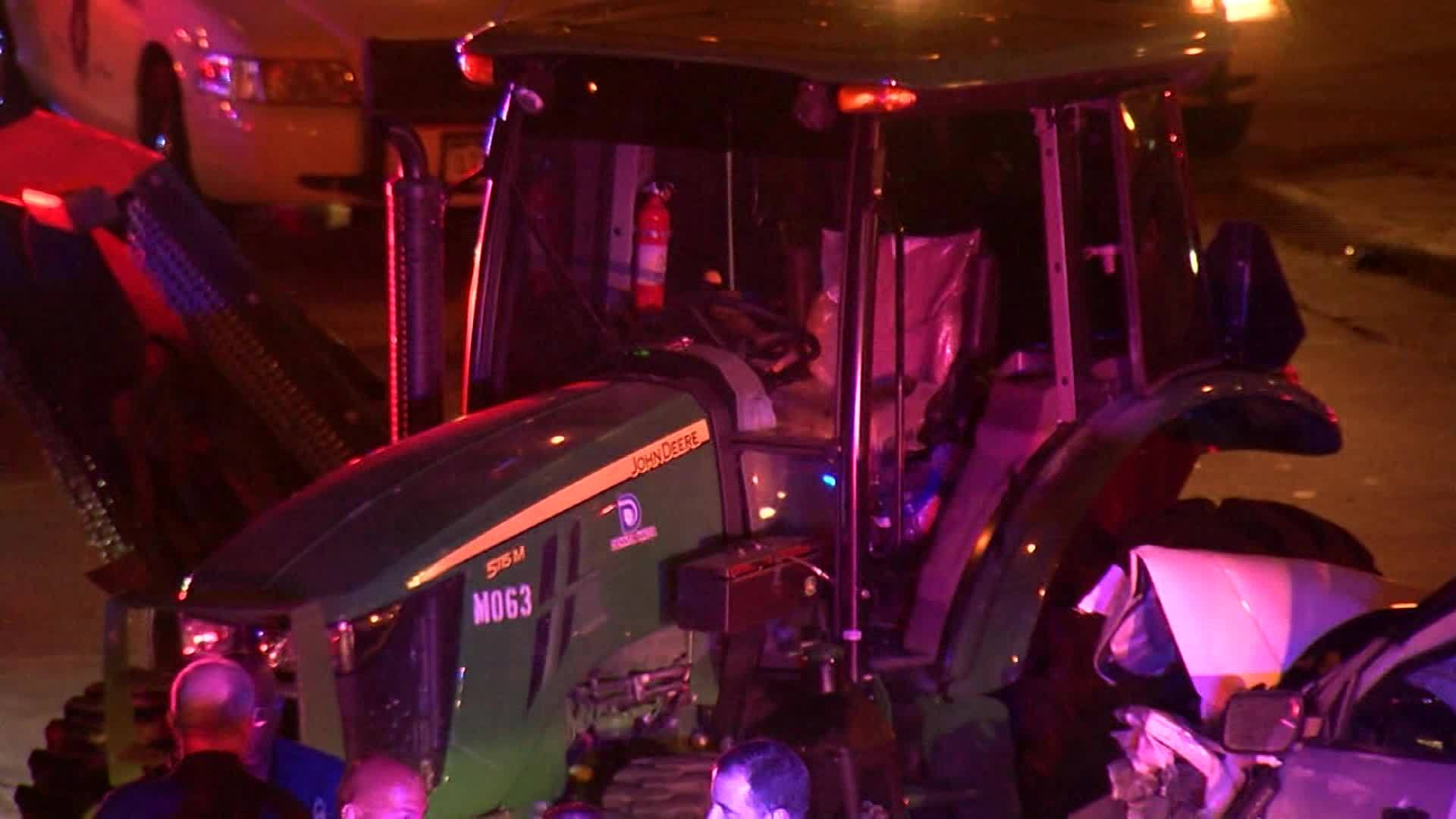 John_Deere_Tractor_Involved_in_Police_Ch_0_20180722211723