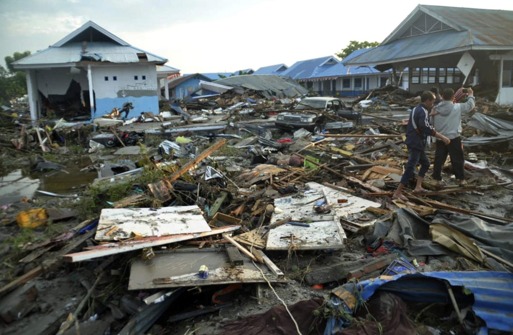 APTOPIX_Indonesia_Earthquake_82842-159532.jpg76770255
