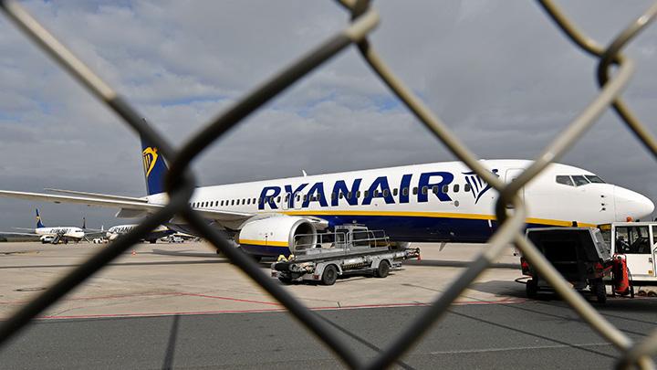 Britain Ryanair Boeing