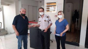 Bankada çalışan özel güvenlik görevlisi bulduğu parayı sahibine teslim etti