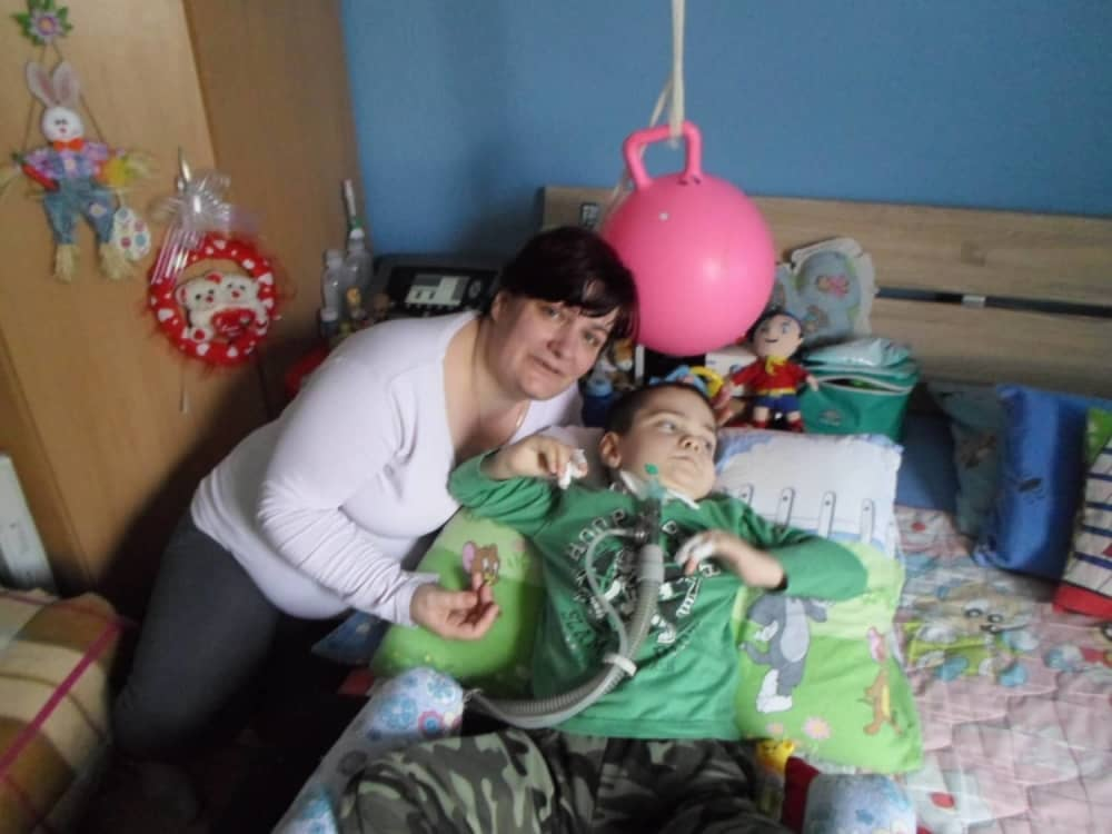 Snežana sa teško bolesnim sinom, Foto: Narcisa Božić