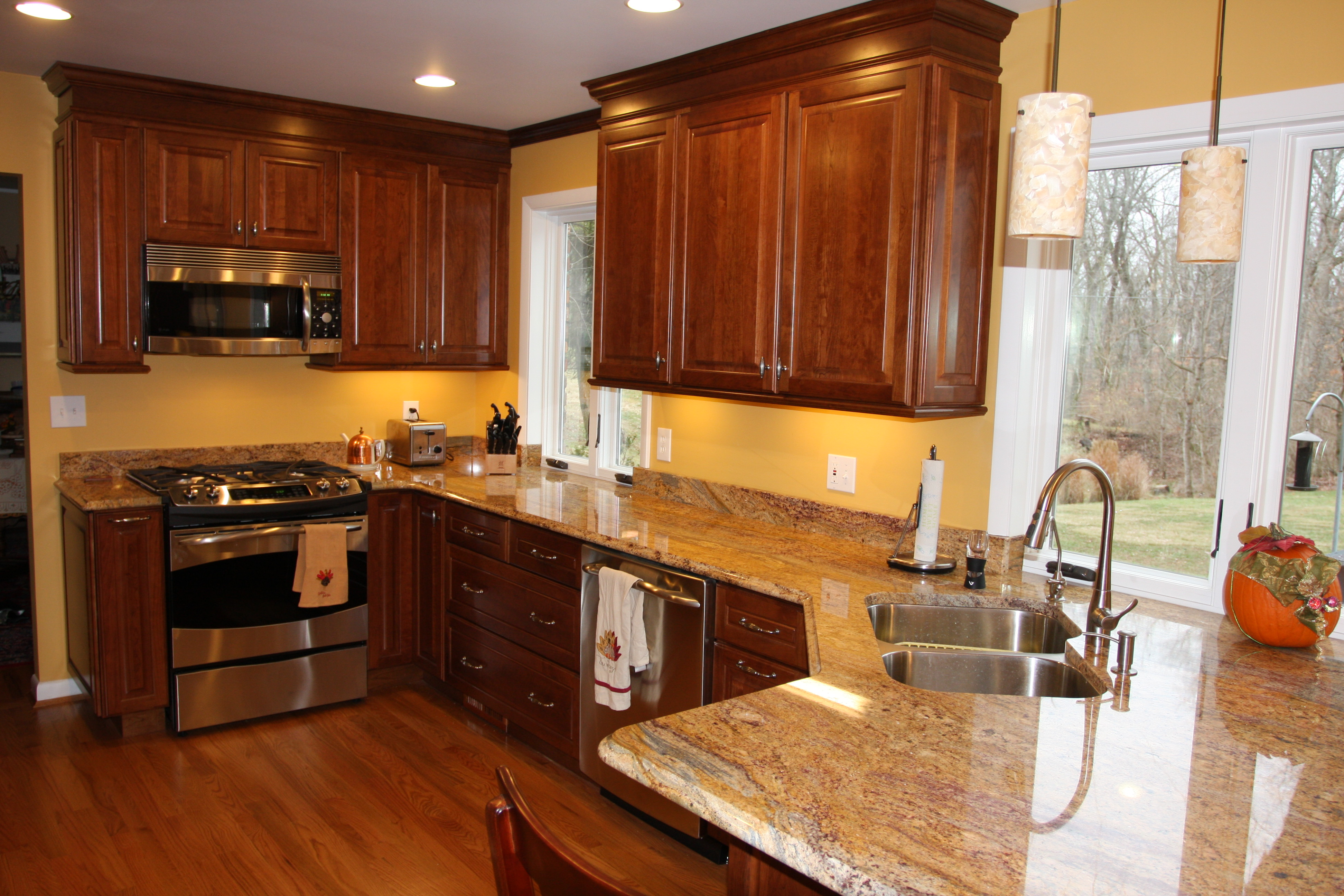The Best Color Granite for Cherry Cabinets and Hardwood ... on What Color Granite Goes With Maple Cabinets  id=68795