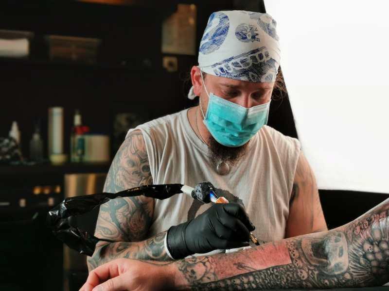 Ozzy tätowiert beim Tattoostudio Stich Hamburg