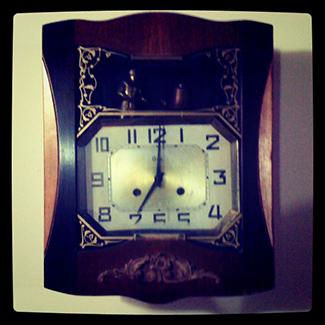 El reloj de cuerda de mi fallecida abuela.