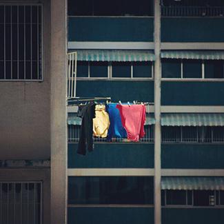 Amarillo, Azul y Rojo.