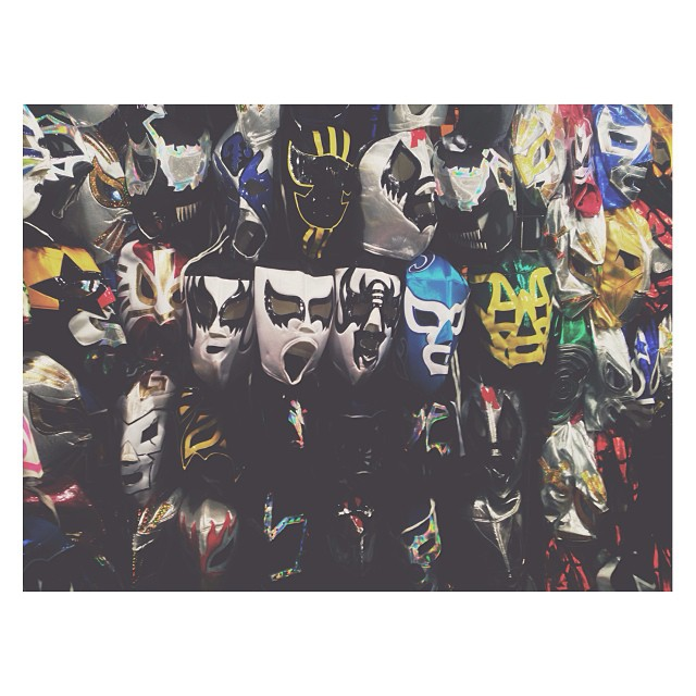 Mascaras y grito