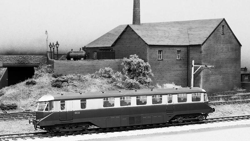 gwr-railcar-at-brettell-road