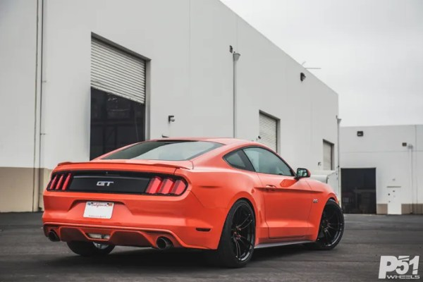 ed-competition-orange-ford-mustang-gt-competition-pack-concave-rotary-forged-flow-formed-gloss-black-r-spec-wheels-blog-rear-quarter
