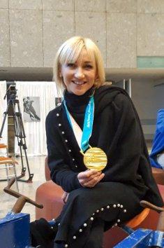Aljona mit Gold-Medaille