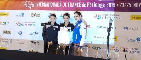 Die drei ersten Damen nach dem Kurzprogramm (Bild: René Müller)
