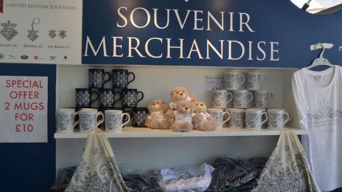 La monarquía británica apuesta por el merchandasing como fuente de ingreso