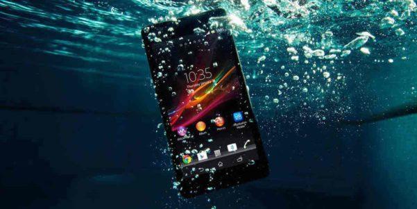 Tampoco es que tengas que tirar el móvil al agua, pero quizá sí que necesitas un detox un tiempo