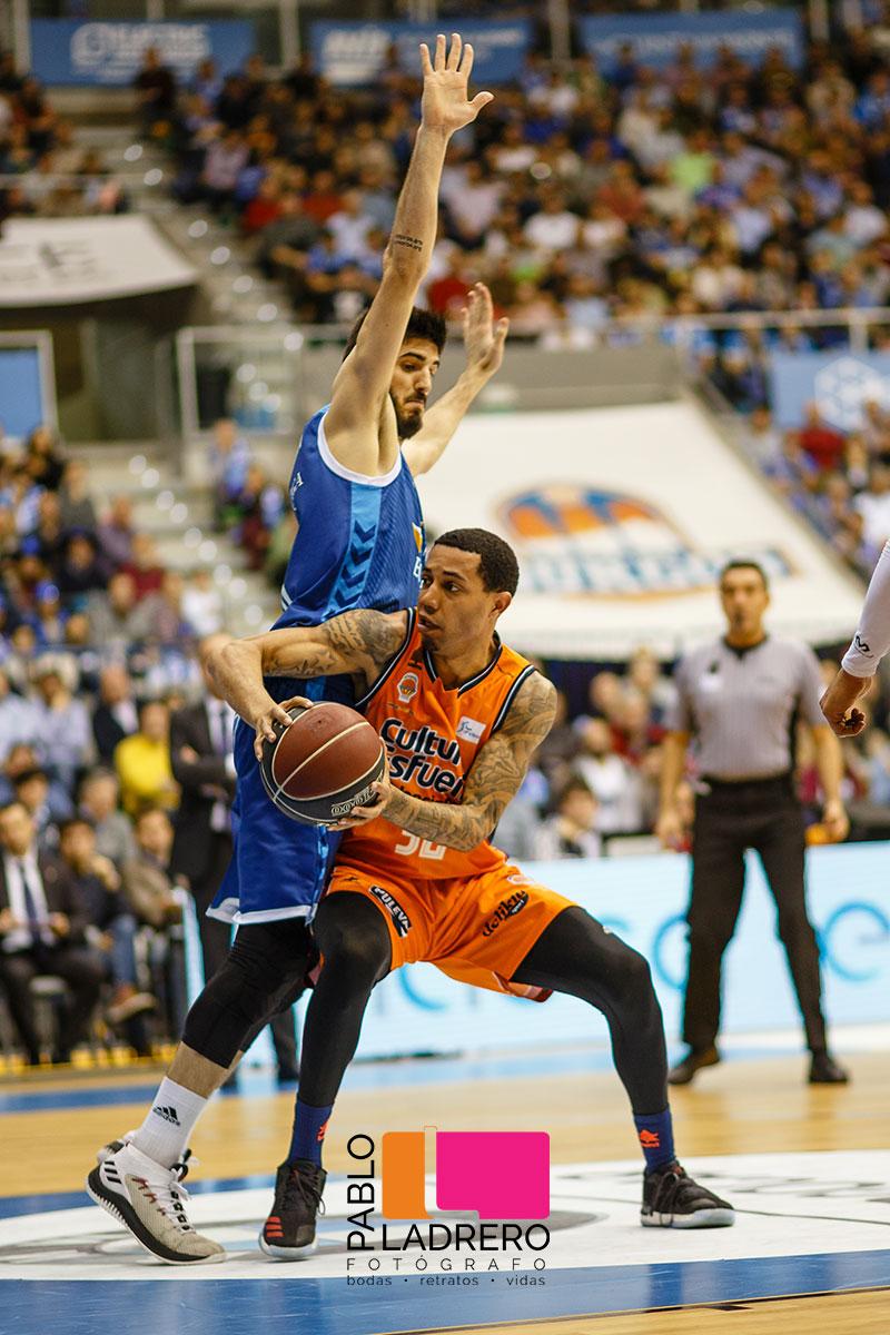 San_Pablo_Burgos-Valencia-Basket_realizada_por_Pablo_Ladrero_fotografos_de-deportes-y-bodas-de-burgos