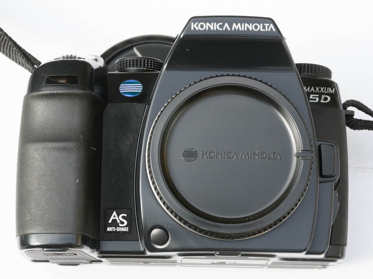 Minolta Dynax 5D - voorzijde