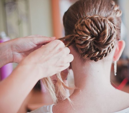 hair salons in Thousand Oaks, CA
