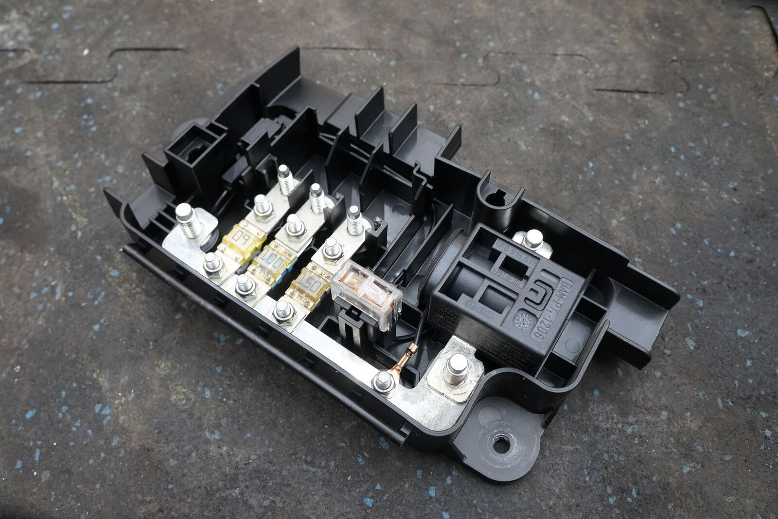 Audi R8 Fuse Box Wiring Diagram Sample A8 4e Battery Block Cut Off Switch 420937548a 4f0915519 Location