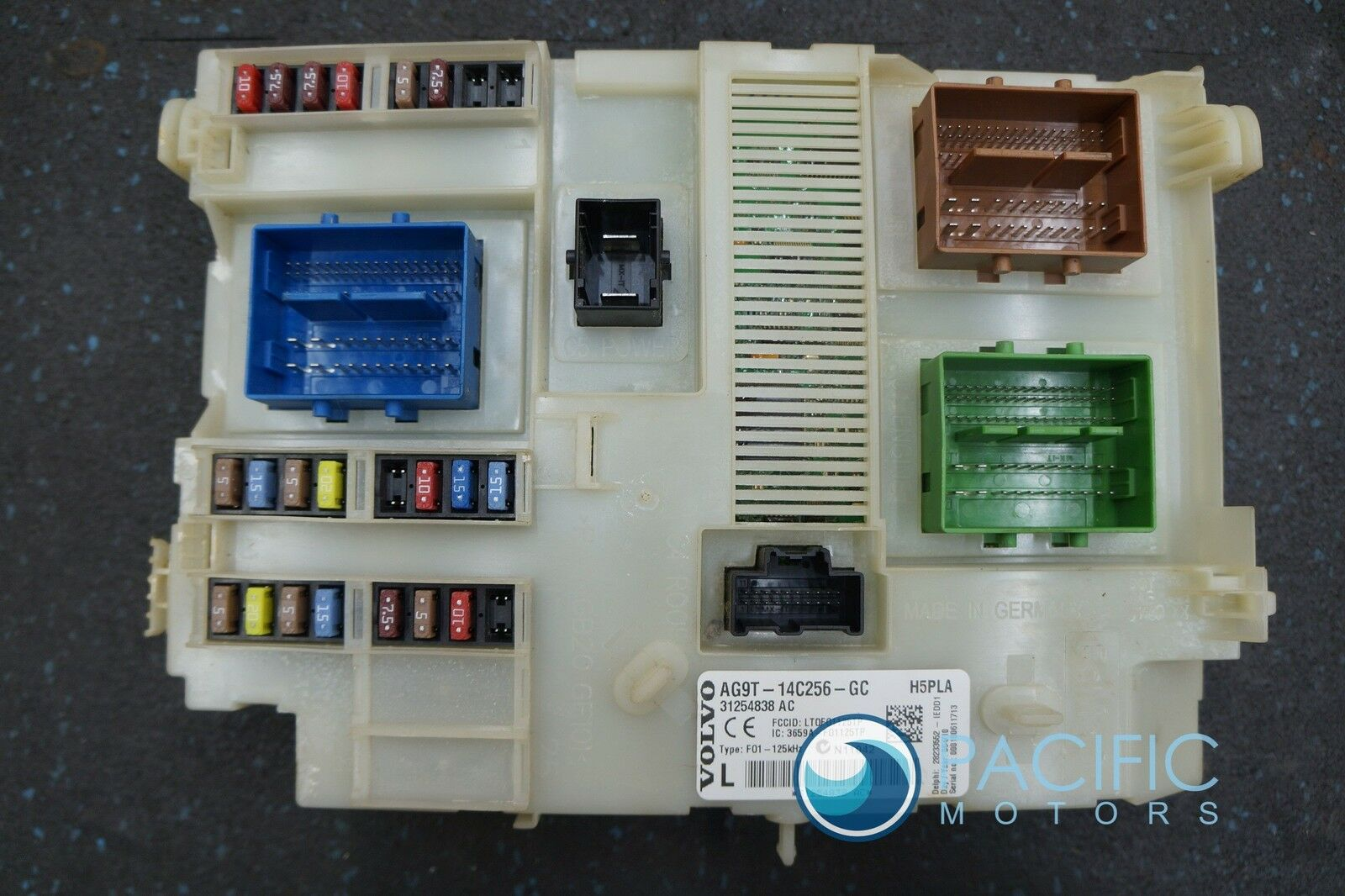 Body Control Module Fuse Box Assembly 31254838 AC OEM Volvo S80 2008-16