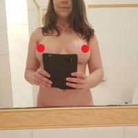 Pack De Karla Jovencita Tetona Enseñando Su Vagina Afeitada Completamente Desnuda