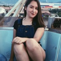 Pack De Nataly Gamez Jovencita Tetona Enseñando Su Vagina Afeitada + 2 Videos Tocando Sus Tetas + Facebook Activo