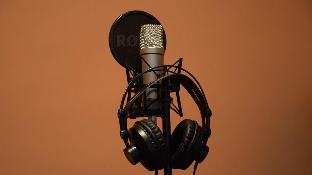 microphone-5046876_1280