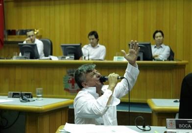 Emerson Petriv recebeu do próprio veneno: mandato cassado por 14 votos a 5