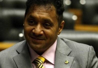 Tiririca diz que está abandonando a política e critica colegas