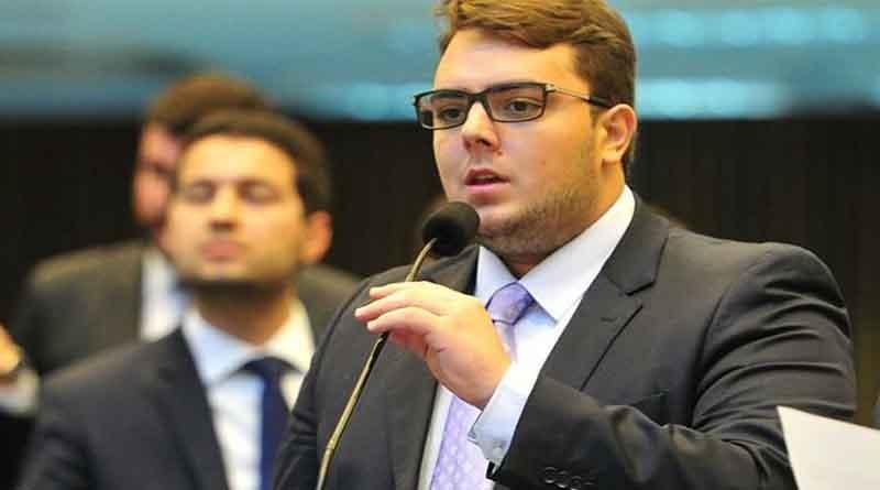 Mais um Francischini enroladão. Justiça bloqueia bens do presidente da CCJ