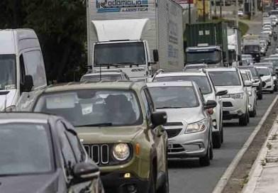 Donos de veículos transferem carros para Santa Catarina pra fugir do IPVA
