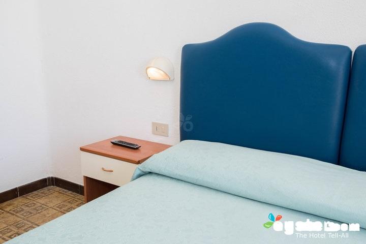 master-bedroom--v12528971-720