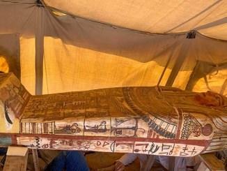 Descubren 14 sarcófagos en un pozo en la necrópolis de Saqqara