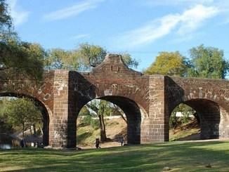 """San Juan del Río y su puente """"diabólico"""" sostenido gracias a almas de los niños"""