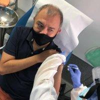 Ernesto Herrera, es el primer mexicano en vacunarse contra Covid-19