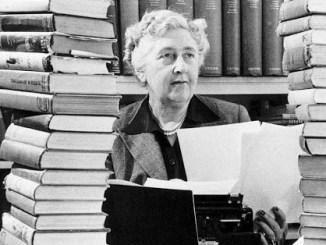 Nace Agatha Christie, una de las mejores novelistas policíacas que emergió en medio de la guerra
