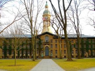 Desalojan Universidad de Princeton por una amenaza de bomba