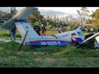 Bebé sobrevive a la caída de una avioneta en Colombia