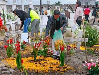 Cerrarán panteones en Toluca, durante Día de Muertos