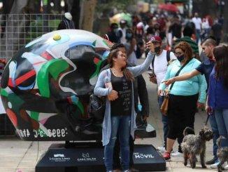 Gobierno de la CDMX retira a vendedores ambulantes en Paseo de la Reforma
